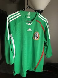 a1c6fdc04 Adidas Mexico long sleeve jersey. Size XL but fits like a Large Hollister