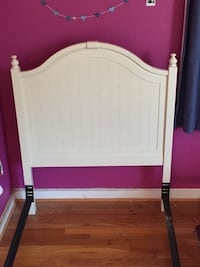 White wooden head/foot board and bed frame