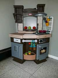 Used Fisher price play kitchen table for sale in Hicksville ...