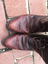 Pair of brown leather cowboy boots Williamsport, 21795