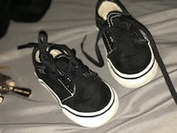 Pair of black-and-white baby vans Merced, 95341