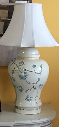White and blue antique floral ceramic table lamp Toronto, M1P 2A1