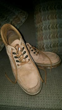 pair of brown leather work boots Cookeville, 38501