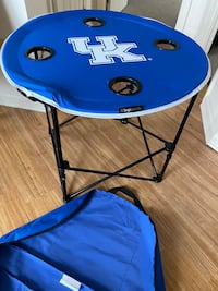 UK wildcats portable foldable round table w 4 cup holders. NEW