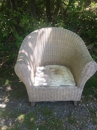 2 matching wicker chairs / outdoor Vienna, 22182