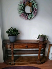 Entrance table / console table