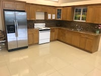 good maple kitchen full package of 10x10 $ 1999 does not include installation