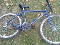 blue hardtail bicycle 550 km