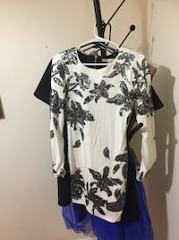 black and white floral long-sleeved shirt Gatineau, J8Z 1L6
