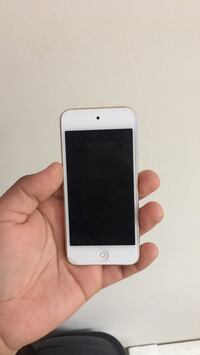 iPod Touch 6th Gen 16gb Vancouver, V5L 1W7