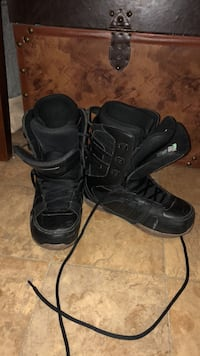 Snowboard boots men's size 9 Denver