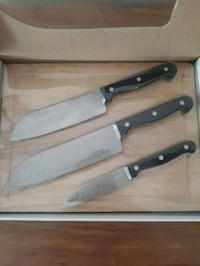 Knife set & cutting board  Pointe-Claire, H9R