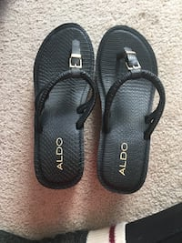 Brand new size 9 wedge flip flops