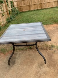 Patio table! Need gone ASAP Charlotte, 28216