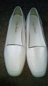 Easy street shoes size 7.5 Queens, 11432