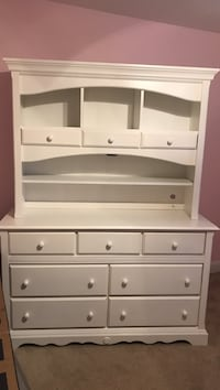 White wooden dresser with changing table North Attleboro, 02760