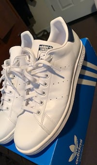 Stan Smiths Navy size10 Winnipeg, R2V 0J3