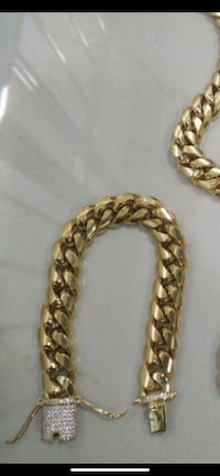 18k stainless steel Miami Cubans chain and bracelet set !!