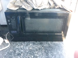 microwave that hangs under cabinet
