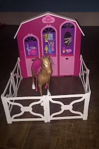 Barbie farm house comes with horse and trophie
