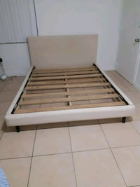 Bed frame for queen size bed Miami Beach, 33139