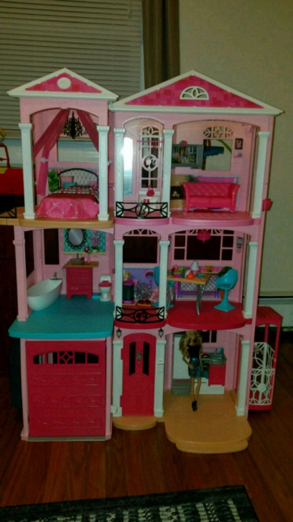 Used Pink And White Doll House For Sale In Perth Amboy Letgo