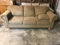 couch and love seat set Clovis, 93619