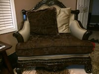 3 piece couches in excellent condition Saint Thomas
