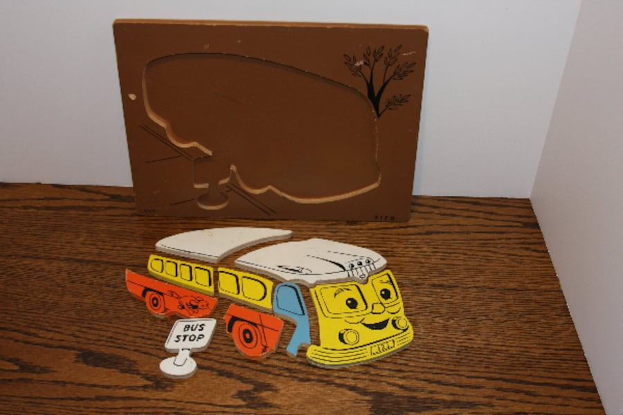 Rare Vintage SIFO Wood School Bus and Bus Stop Puz 976285b6-98e2-4ee7-8a4c-3af49ca04bf2