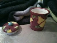 two red and green ceramic mugs Cleveland, 44144