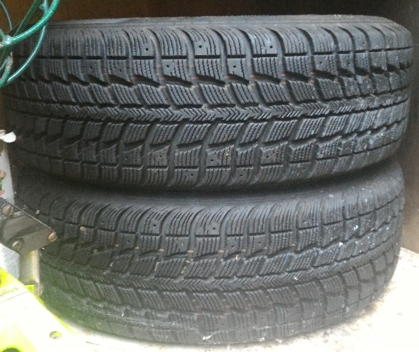 Pair of 185/70/14  tires 0