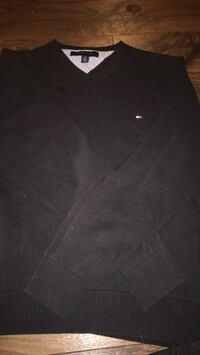 Tommy Hilfiger long sleeve shirt, size small Winnipeg, R3L 0A6