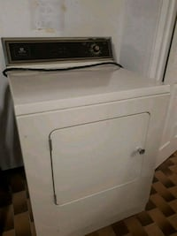 white front-load clothes washer Vaughan, L4L 2E3