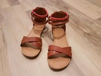 Girls size 13 sandals London, N5Z 4Z1