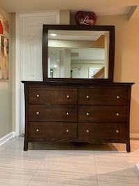 Brown wooden dresser with mirror Berwyn Heights, 20740