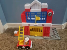 Fisher Price Little People Stackers Fire Station