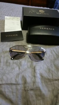 Versace glasses mint condition  Mississauga, L5L 5S1
