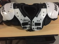 Youth football shoulder pads Red Hook, 12571