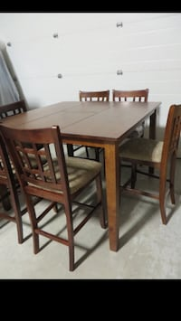 Brand New Solid Pine Pub Style Table w/ 6 Bar Stools and Butterfly leaf Edmonton, T5P 4Y7