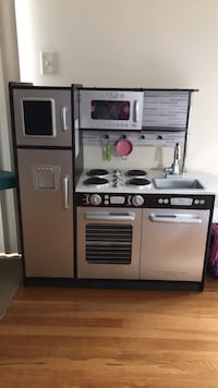 Kids RealWood Kitchenset with 4 Stove, Sink, Microwave, Fridge, Oven and Extra Drawer to put extra Kitchen Utensils... Iselin, 08830