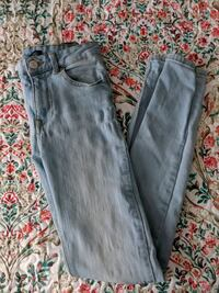 Bershka Distressed Jeans Kitchener, N2P 2N3