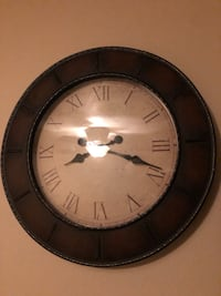 Large wood wall clock  Bluffdale, 84065