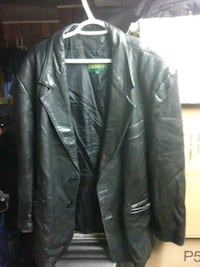 Danier leather jacket. Men's large New Westminster, V3M 0A6