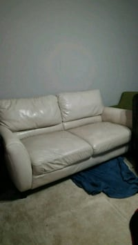 Large beige couch 9ft long Germantown, 20876
