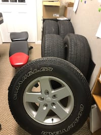 5 wheels and tires from 2014 Jeep Wrangler JK 255/75/17 298 mi