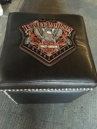 black leather harley davidson ottoman chair Calgary, T3M 0Y1