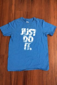 New condition boys large Nike t-shirt