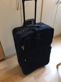"Large carry-on by American Tourister, used - $50 - 27"" x 9 1/2"" x 18"" wide Mississauga"