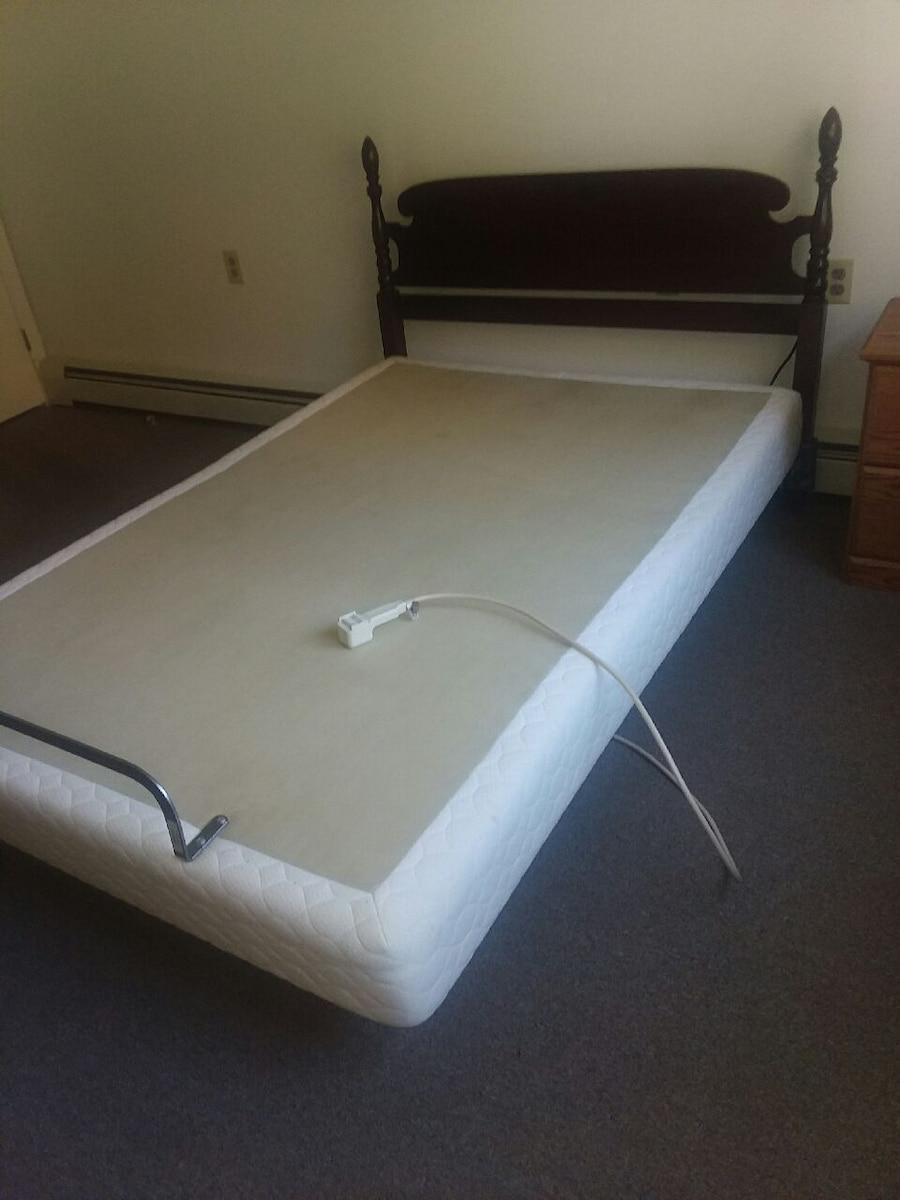 Photo Full size [double] adjustable bed 80 x54 NO Mattress.