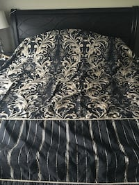 Black and gold floral king duvet cover Calgary, T3M 1J1
